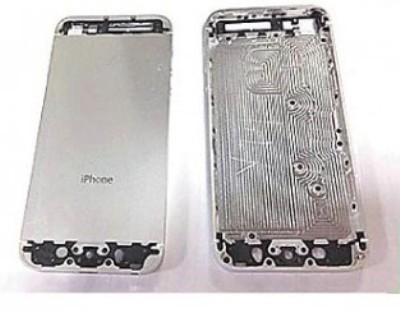 Apple: nuova scocca posteriore per l' iPhone 5S