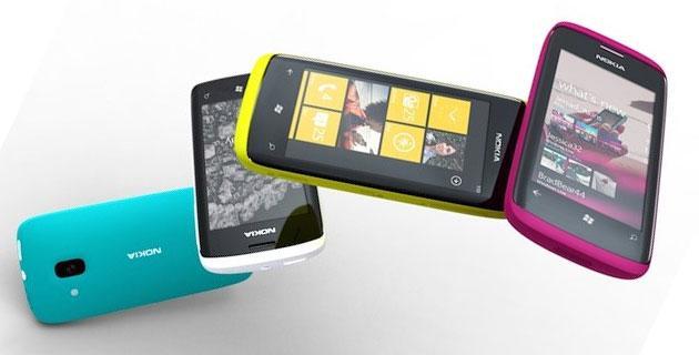 Ecco il nuovo RM-977 realizzato da Nokia, dual-SIM con uno schermo da 4,5 pollici