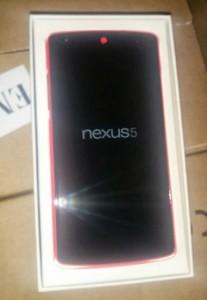 Il Nexus 5 rosso in una foto che potrebbe essere vera