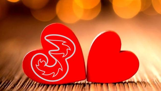 Tre presenta nel nuovo spot la nuova offerta All-In San Valentino 2018